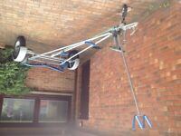 Dinghy/small boat road trailer and launching troley