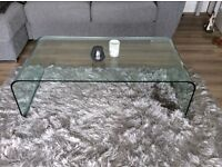 Glass coffee table - No scratches - immaculate