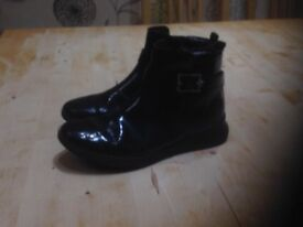 Clarks Girls' Venture Move Ankle Boots Size 2F