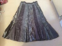 Per una size 16 satin scrunch evening skirt in grey, fully lined and perfect condition