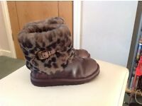 Size 3 Ugg boots for sale