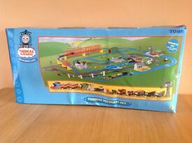THOMAS THE TANK ENGINE ULTIMATE TRAIN SET BOXED COMPLETE