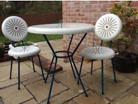 Gorgeous garden table and chairs