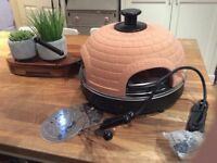 Reduced!! Pizzarette pizza cooker/ oven with terracotta hood( never used)