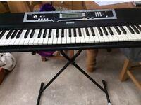 Yamaha YPT 210 keyboard and stand