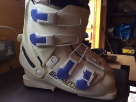 Ladies Salomon Evolution 5.0 Ski Boots
