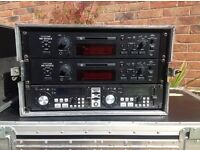 2 x TASCAM MD301mk11 MiniDisc players + American Audio SDJ1