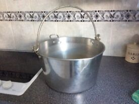 Jam making pan also can be used for wine making