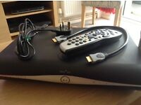 Amstrad DRX890 500 GB Sky HD box and controller