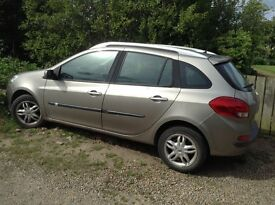 Renault Clio estate,58 plate,