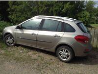 Renault Clio estate,58 plate,