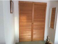 2 Wood Louvre Doors