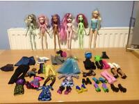 JOBLOT OF MONSTER HIGH DOLLS AND ACCESSORIES