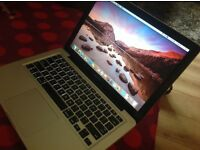 Macbook pro 13 inch i7 processor early 2011 model 500gb storage in very good condition