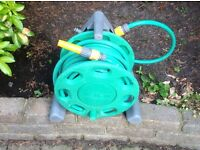 REDUCED PRICE! HOZELOCK COMPACT HOSE REEL WITH 25m HOSE & CONNECTORS