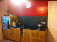 Single room in central location - great price!