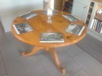 Pine pedestal table