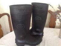 Safety gumboots, ideal for vet student or anyone working with animals.