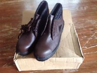 Brand new work boots size 8