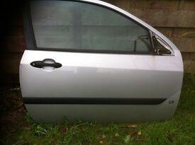 Ford Focus Mk 1 OS Door (3 Door) Moondust Silver