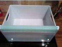 Hotpoint FF220 Freezer drawers