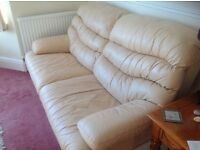ITALIAN LEATHER QUALITY SOFA --free delivery