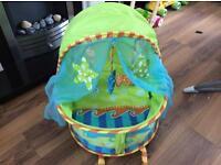 Baby uv sun tent Moses basket Travel Crib Folds into bag