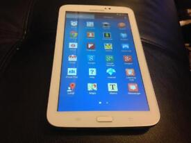 Samsung tablet 3 white excellent collection not iPad