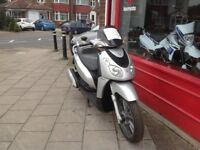 PIAGGIO CARNABY 125 BIG WHEELED SCOOTER COMES SERVICED & 12 MONTHS MOT DELIVERY CAN BE ARRANGED