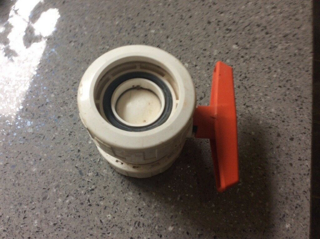 Valve for swimming pool