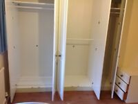 A GOOD SIZE SINGLE ROOM TO LET WITH LOTS OF WARD ROBS INC ALL BILLS PCM £450