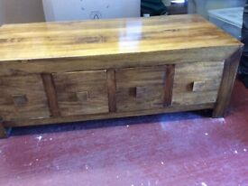 4 drawer trunk/ coffee table