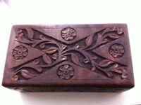beautiful Asian carved wooden hardwood trinket box
