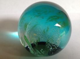 VERY RARE !!! STUNNING LARGE ANTIQUE CAITHNESS GLASS PAPERWEIGHT - CIRCA LATE 80's
