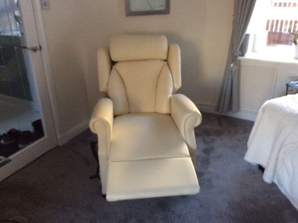 Mobility Recliner Chair Absolute Bargain In Cambuslang