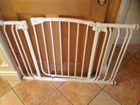 Dreambaby stair gate with extensions