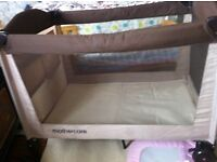 fold up travel cot - 2 levels + nappy changing platform