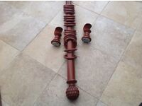 Beautiful mahogany curtain pole with artichoke finials 175cms. Plus rings & brackets .