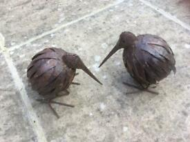 Pair of garden metal kiwis