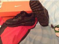 Boys Nike air max size 4