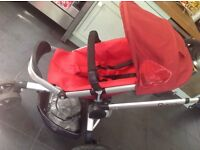 Quinny buzz xtra with foldable carrycot /seat car seat +rain Cover - Reds