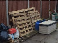 free wooden pallets- 4 regular and 1 large