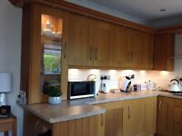 Oak shaker Kitchen in really good condition