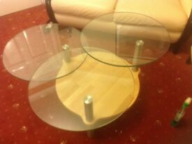 Coffee Table with 3 round moveable glass top. Immaculate condition , hardly used.
