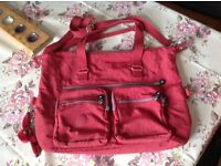 Large Kipling bag red in excellent condition