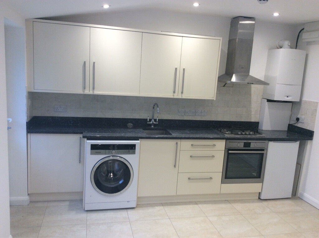 Only £200 p/w INCLUDING MOSTLY BILLS ,**Newly refurbished studio flat now available