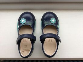 Clarkes shoes girls size 6 1/2E
