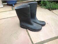 Black wellies Dunlop size 7 (41)