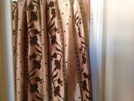 8 X Beautiful Quality Curtains , Green velvet on gold , (4 Pairs)