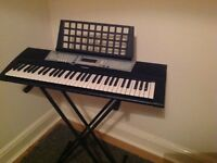 Electric Yamaha Keyboard